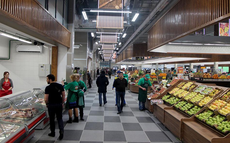 Линия с продуктами на Велозаводском рынке